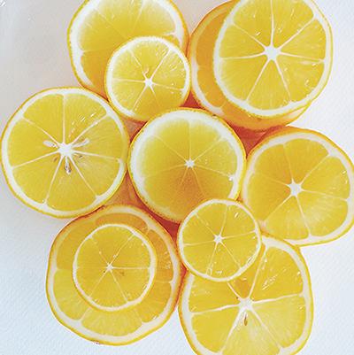 スライスしたレモンの写真